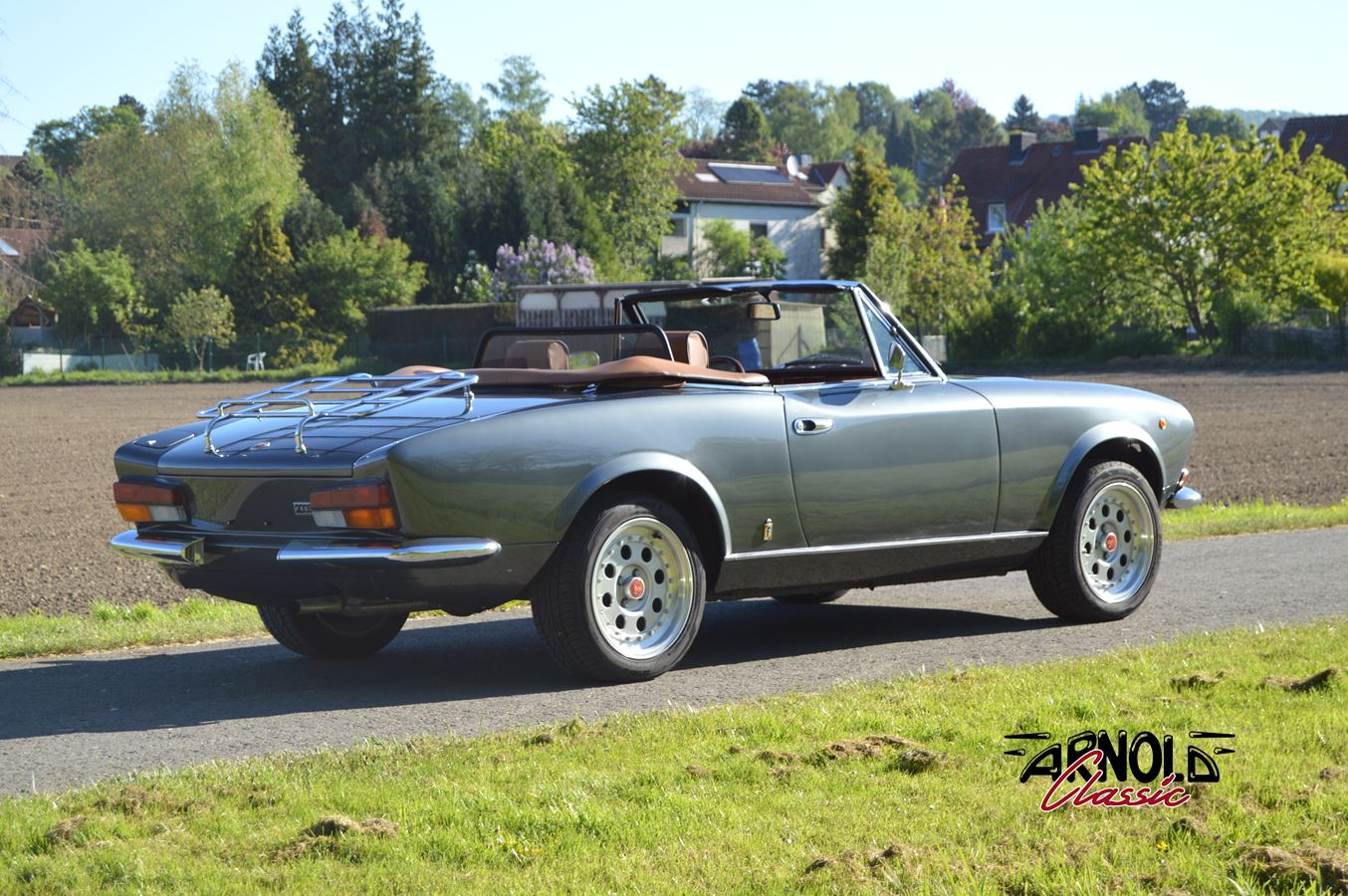 fiat 124 spider restoration arnold classic. Black Bedroom Furniture Sets. Home Design Ideas