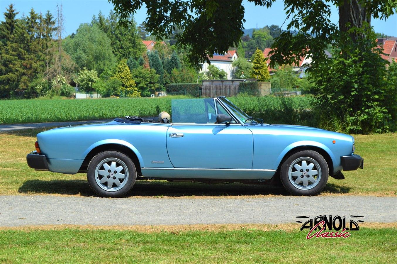 Fiat Spider Ds Pininfarina Spidereuropa Blau Arnold Classic Oldtimer